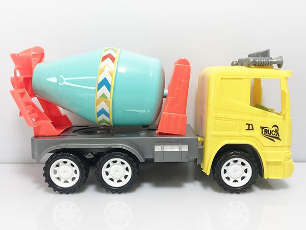 Chủ cửa hàng buôn bán đồ chơi trẻ em